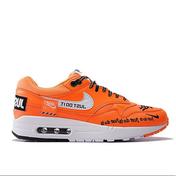 NIKE WMNS AIR MAX 1 LX JUST DO IT PACK ORANGE 917,691 800 Nike women Air Max 1 orange